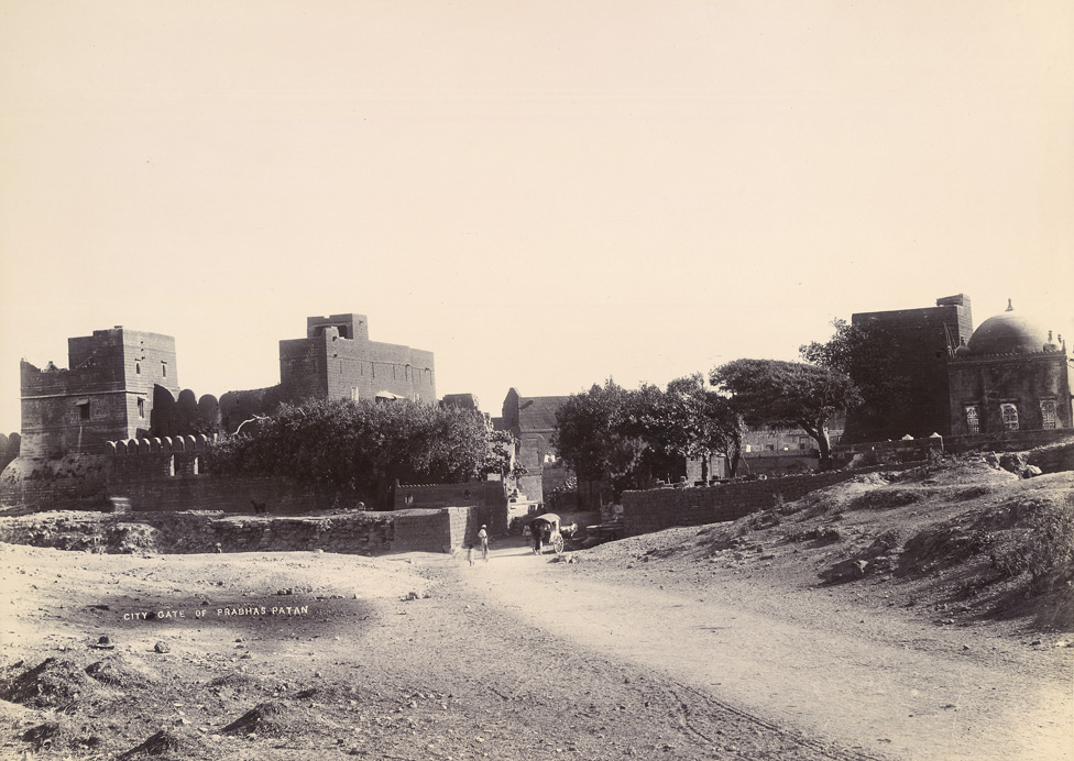 [View of the city gate, Somnath (Patan).]